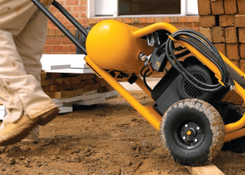 Best Air Compressor For Framing Crew In 2021 – Reviews and Guide 1