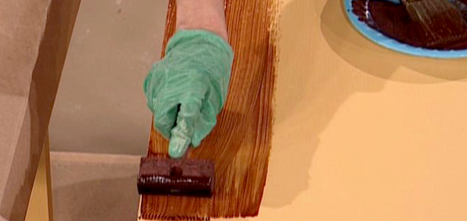 Can You Use a Wood Stain on Plastic
